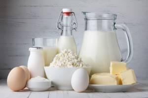 В меню разрешаются молочные продукты, нежирный творог, яйца всмятку или омлет