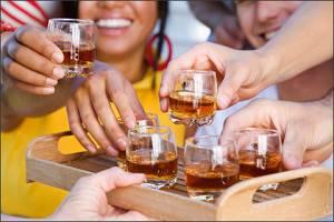 Употребления алкоголя - одна из причин возникновения портальной гипертензии