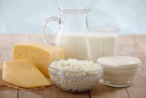 Внесите в свой рацион как можно больше кисломолочных продуктов - они помогут быстрее восстановить микрофлору кишечника