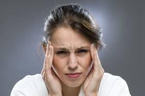 Бывают симптомы, что у пациентов болит голова, нарушается чувствительность