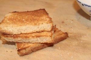 Подсушенный цельнозерновой хлеб