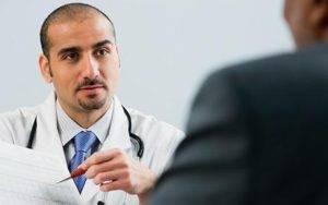 При первых появившихся симптомах необходимо срочно обратиться к врачу.